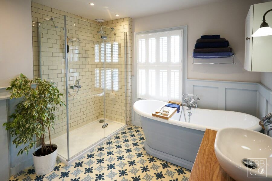 Get inspiration from heritage style and incorporate the look in a modern bathroom
