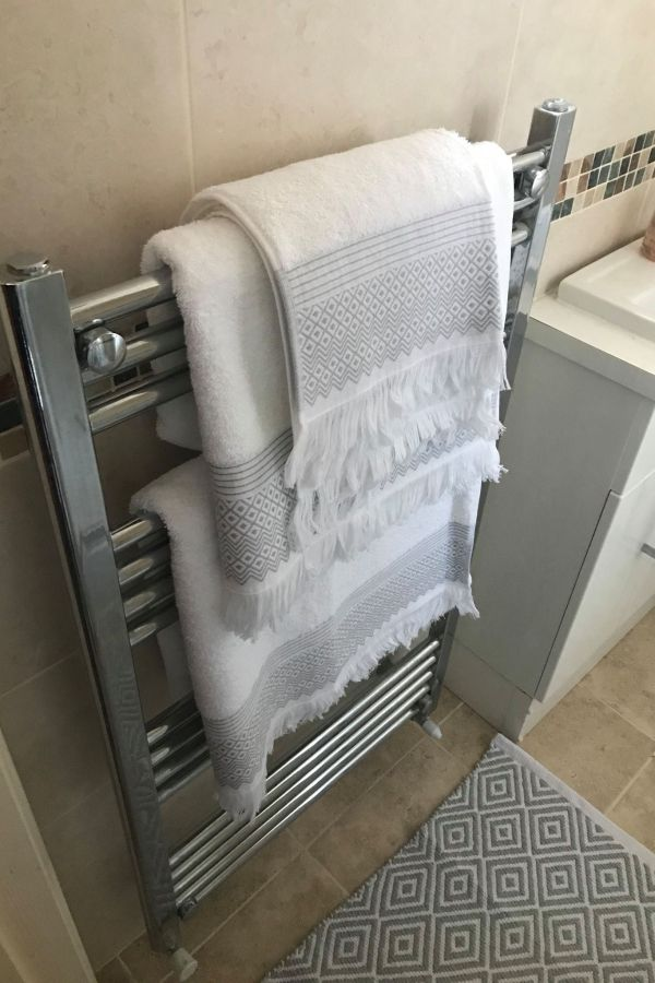 Luxury Jacquard Towels and Bath Mats: Review
