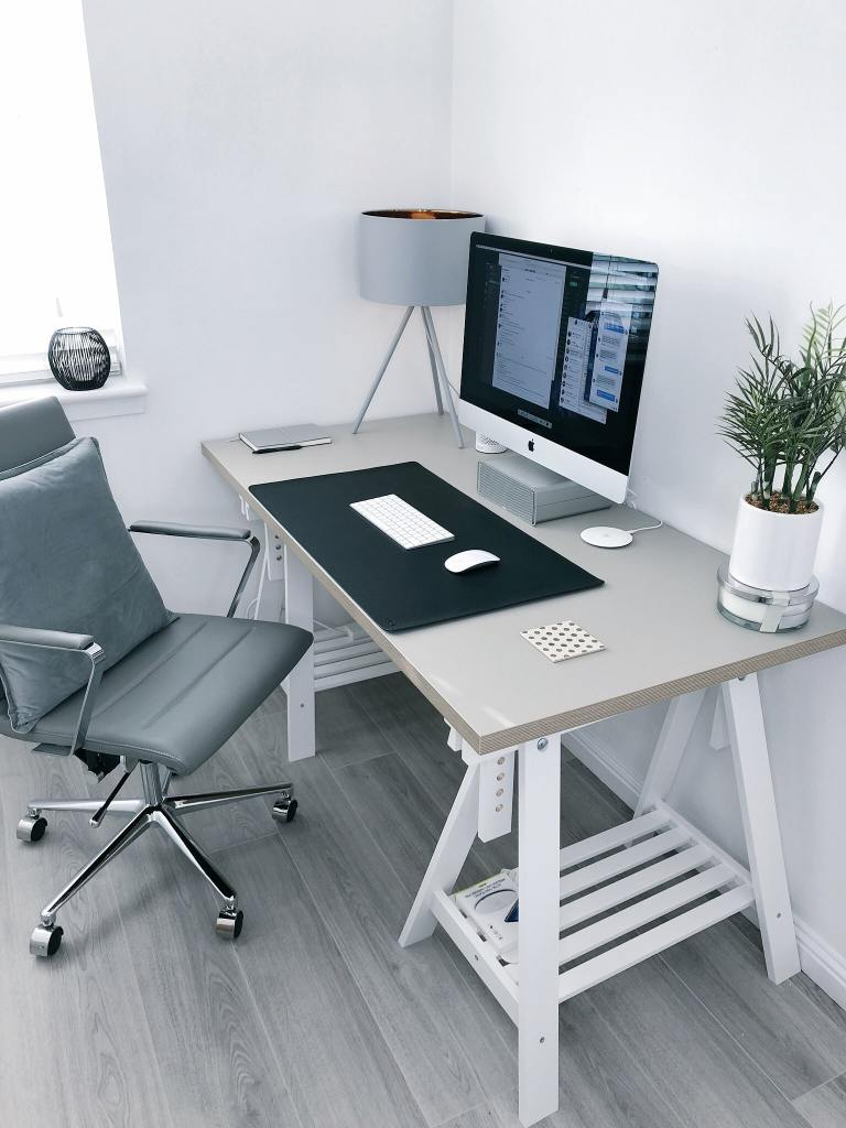 How to set up a comfortable home office so you can work at home