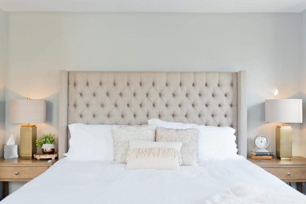 White bedding looks fresh and bright, especially when it's kept clean