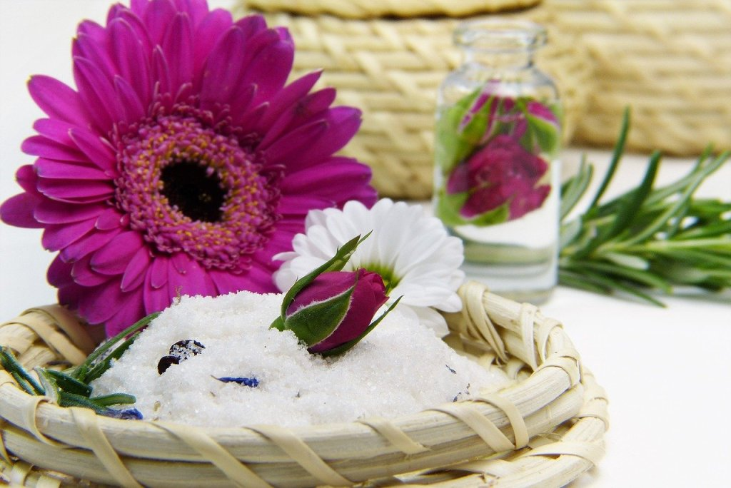 Fresh flowers are the ultimate luxury accessory Image credit: Pixabay