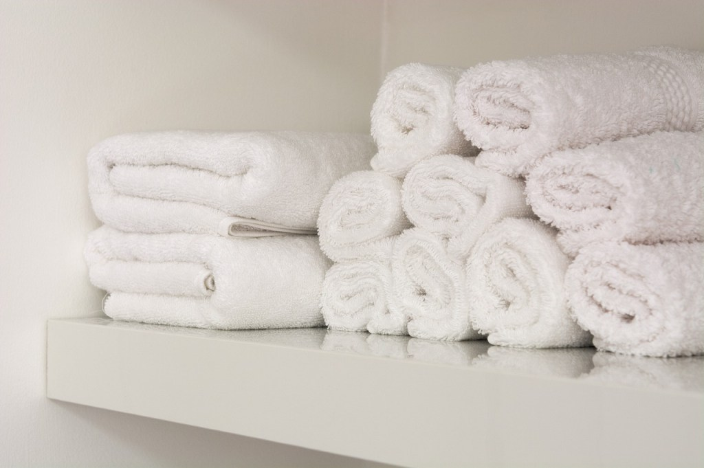 Keep spare towels neatly rolled or folded. Image credit: Pixabay