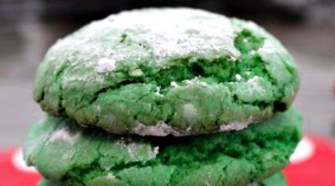 Easy Christmas recipe: Grinch Crinkle Cookie