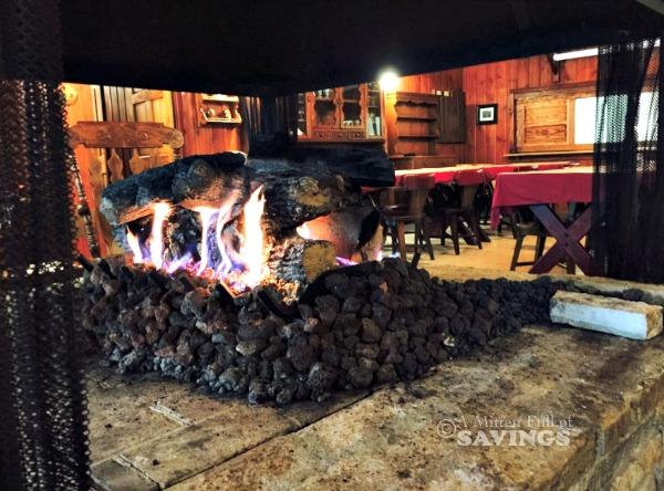 Elvyn Lea Lodge Fire Dining area