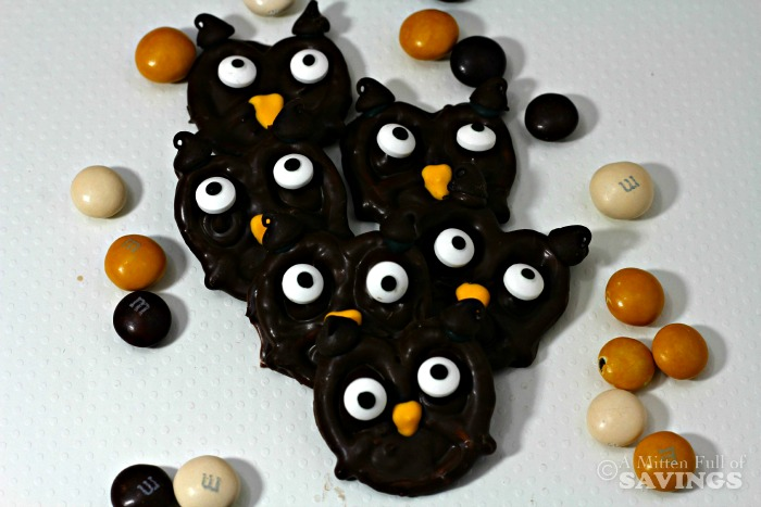 Chocolate Pretzel Owls