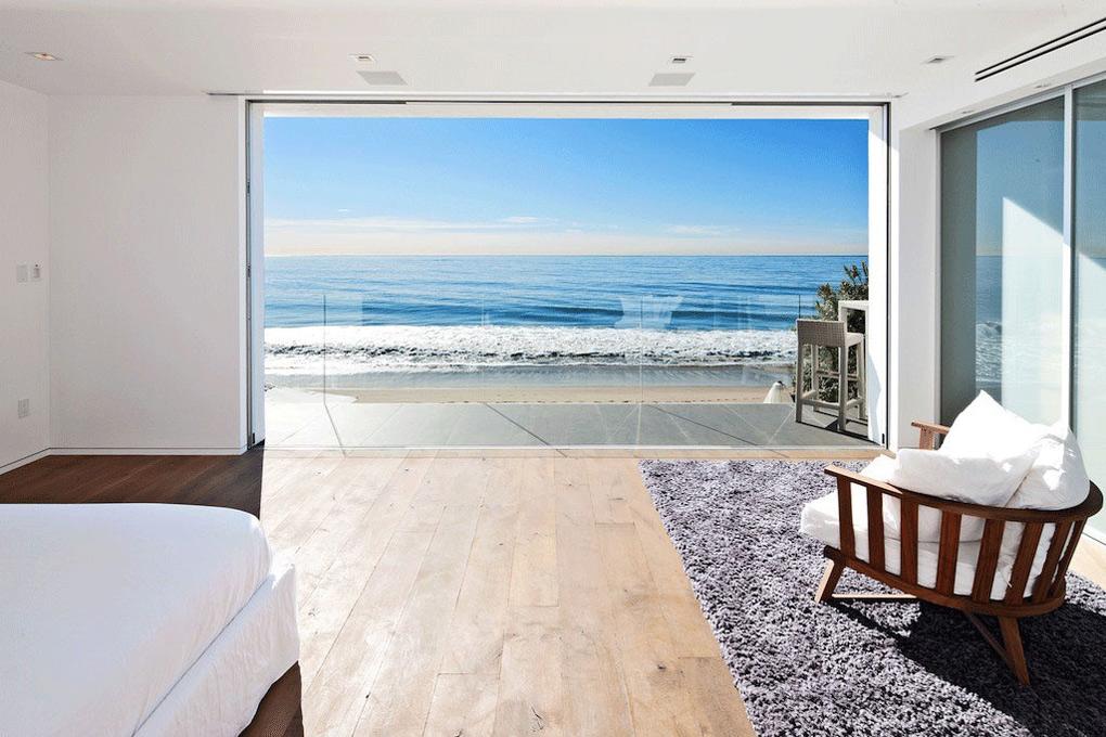 Contemporary Beach House In Malibu California