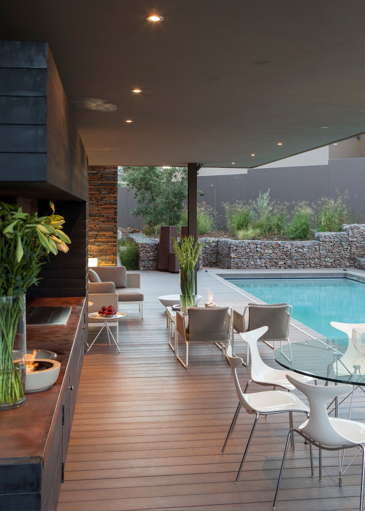 Luxurious Home Designed For Outdoor Living House Duk In