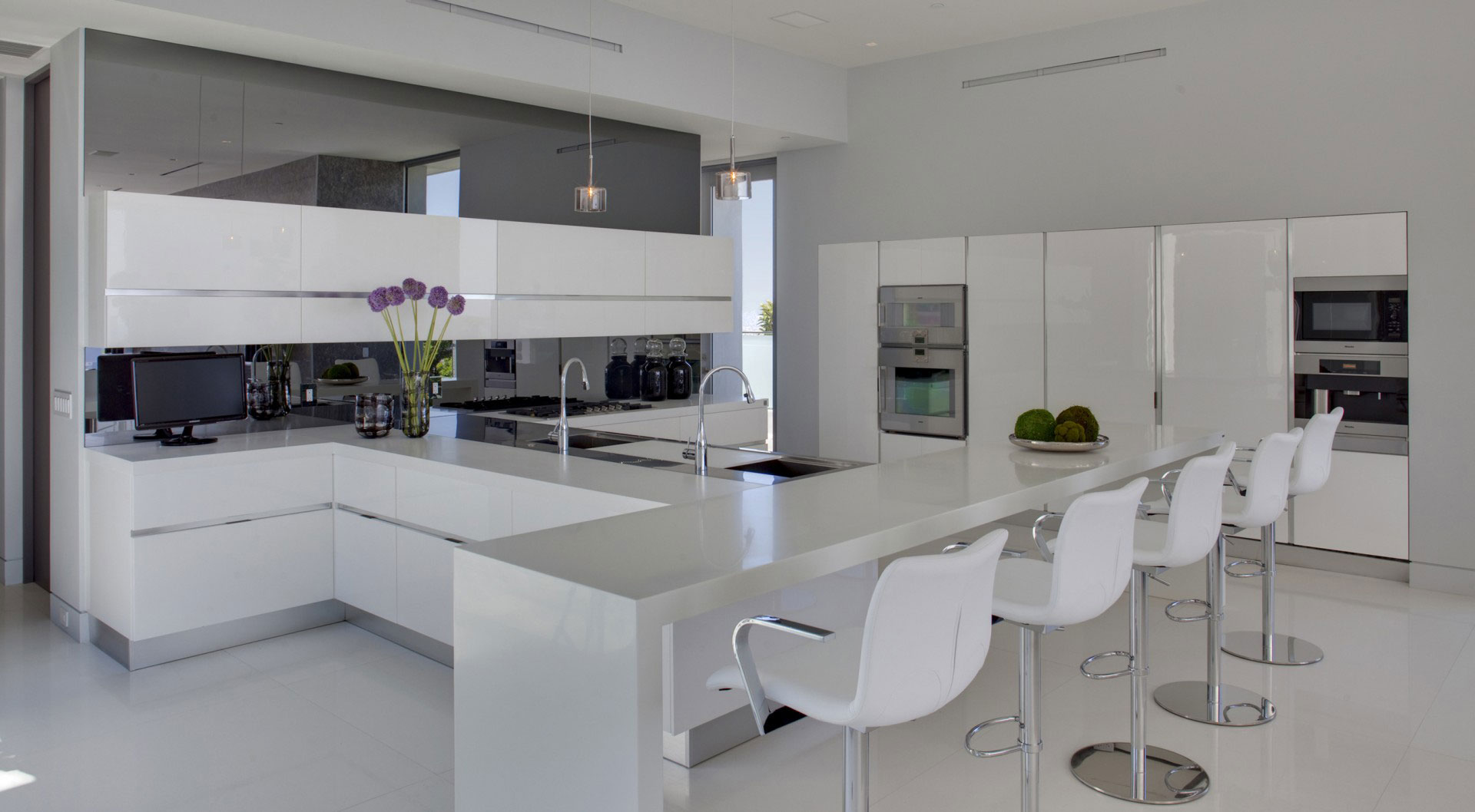 White Kitchen Breakfast Bar Stools Tanager Residence In