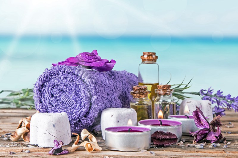 essential oils and candles for relaxing