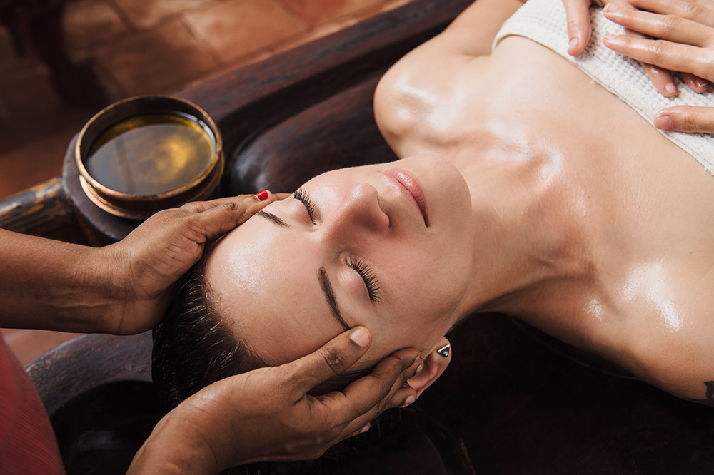 protecting and restoring the skin with essential oils