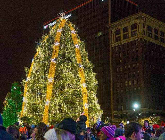 Tis The Season Holiday Tree Goes Up Today In Public Square