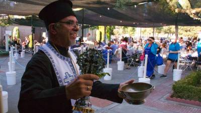 greek for the weekend orthodox church marks 58th year of its annual food - How Do You Say Merry Christmas In Greek