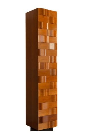 Móvel com 18 gavetas em madeira de cedro do Brasil