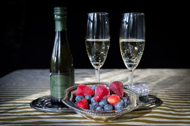 prosecco-strawberries