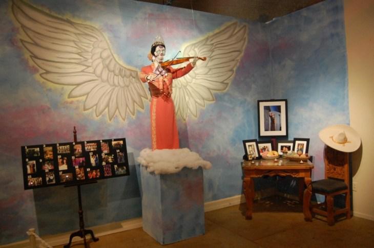 Día de los Muertos exhibition