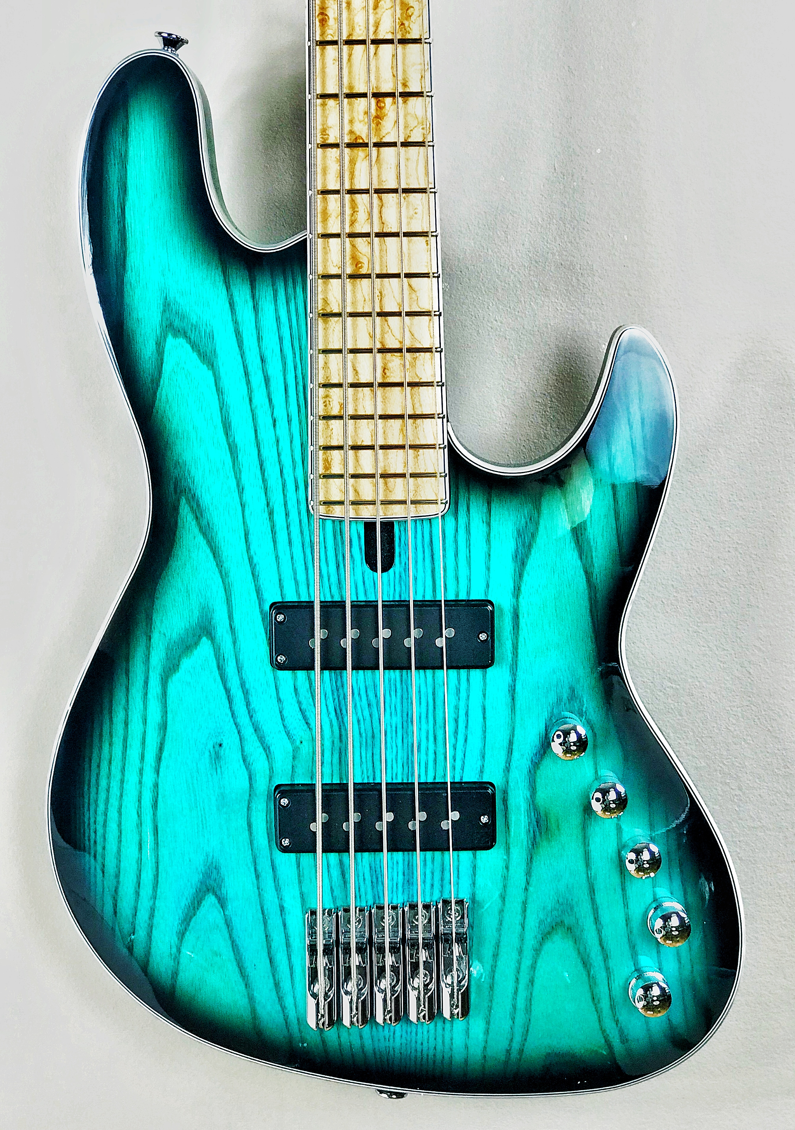 new maruszczyk elwood absolution 5 string bass nordstrand pickups noll 3 band preamp. Black Bedroom Furniture Sets. Home Design Ideas