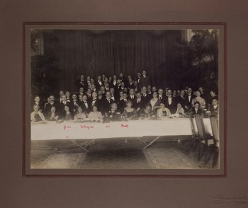 Image of people at the International Psychoanalytic Conference, The Hague