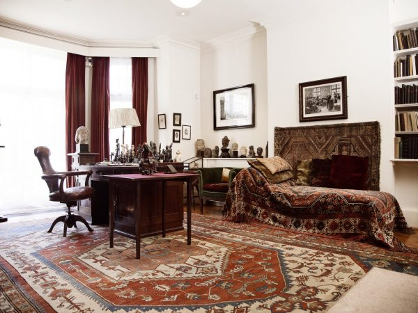 What to see at the Freud Museum - Study, desk and couch