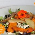 Salat mit Hokkaido Pommes, Birne und Salz-Zitronen Dressing