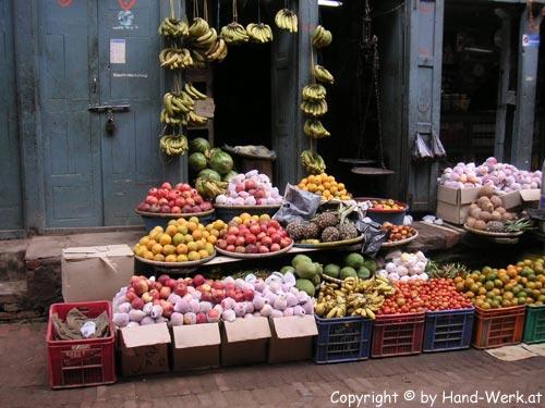 Bhaktapur-Gemuesehaendler-c