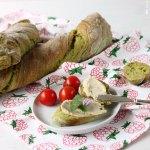Grünes verdrehtes Baguette – Pain Paillasse mit Spinat