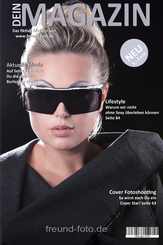 Mode Zeitschrift Titelseite mit Frau die Briller trägt