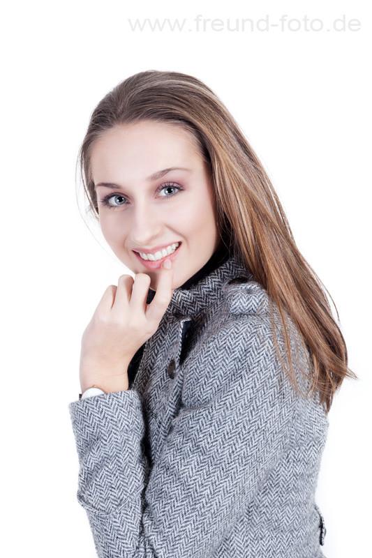 Modeaufnahme einer jungen Frau