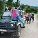 Junggesellenabschied Party, Frauen überfallen Autofahrer