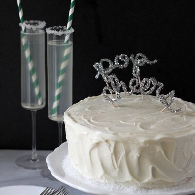 DIY New Year's Eve Cake Topper