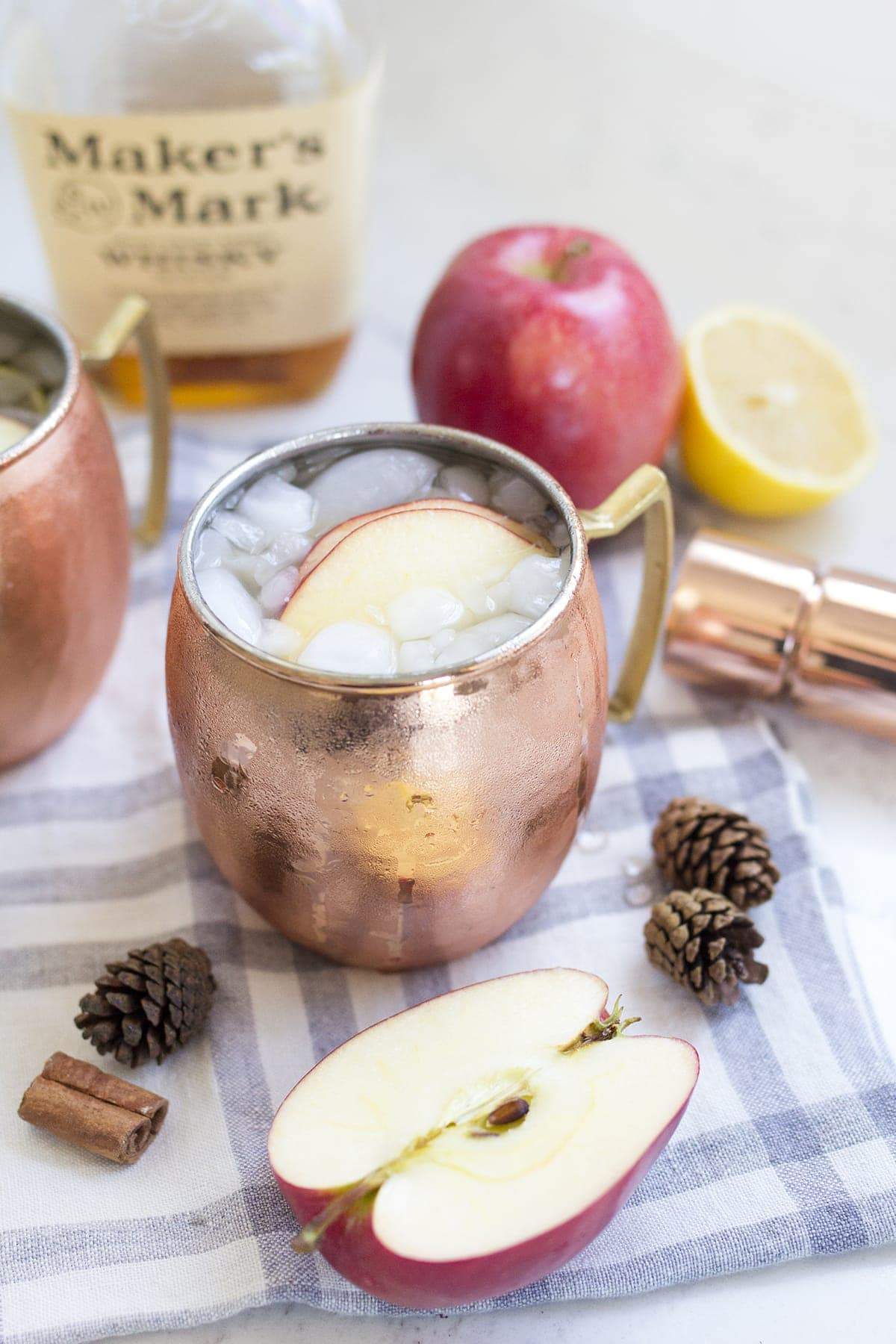 Bourbon Maple Apple Cider Cocktail Recipe