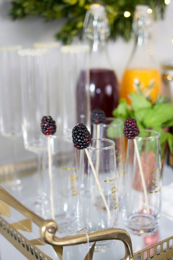 New Year's Eve Champagne Bar - Freutcake
