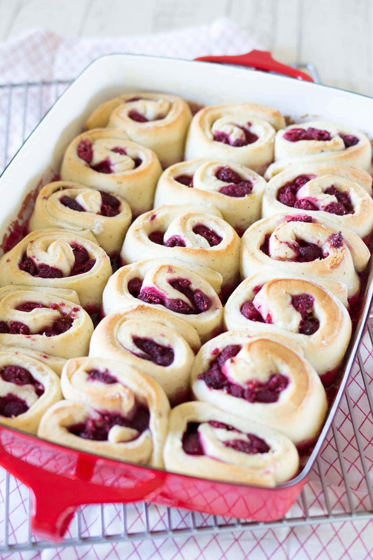Raspberry Lemon Sweet Rolls - Freutcake