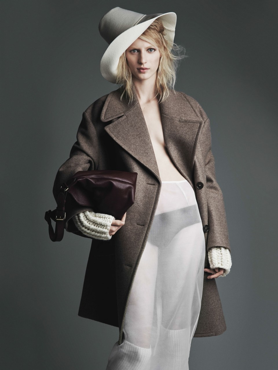 julia-nobis-by-patrick-demarchelier-for-vogue-uk-august-2014-21