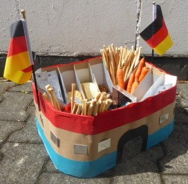 FRICKELclub_EM_Fußball_Snackstadion_Tetra Pak_Kinder_Recycling_basteln_DIY_Offenbach (23)