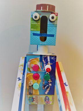 FRICKELclub_Kinder_Geburtstag_Ufos_Roboter_Aliens_Recycling_DIY_Basteln_ (13)