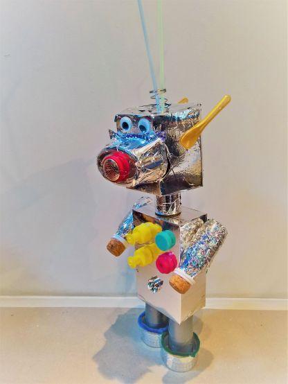 FRICKELclub_Kinder_Geburtstag_Ufos_Roboter_Aliens_Recycling_DIY_Basteln_ (24)