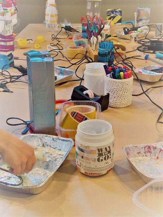FRICKELclub_Kinder_Geburtstag_Ufos_Roboter_Aliens_Recycling_DIY_Basteln_ (6)