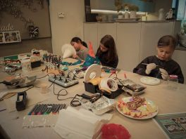 FRICKELclub_Halloween_Recycling_Tages_Workshop_Bastelaktionen (4)