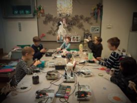 FRICKELclub_Halloween_Recycling_Tages_Workshop_Bastelaktionen (8)