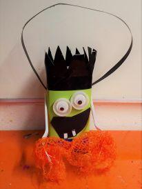 Gruneliusschule_Frankfurt_externe AG_FRICKELclub_Halloween_Recycling_Basteln (9)