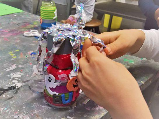 FRICKELclub_Recycling_Basteln_AG_Kinder_Gruneliusschule_Monster_Geheimverstecke_Bastelaktion (12)