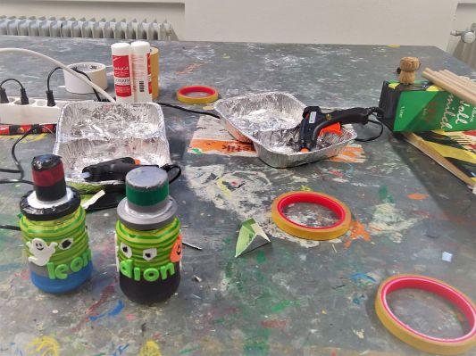 FRICKELclub_Recycling_Basteln_AG_Kinder_Gruneliusschule_Monster_Geheimverstecke_Bastelaktion (15)