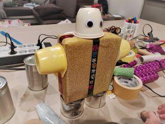 FRICKELclub_Recycling_Geburtstagsbasteln_Roboter (24)