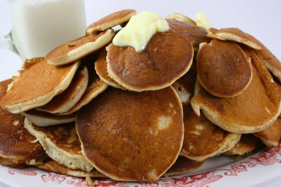 Amish Friendship Bread Pancakes by Suzy at Kitchen Bouquet ♥ friendshipbreadkitchen.com