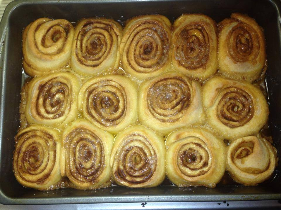 Amish Friendship Bread Cinnamon Rolls by Kimberly Kozicki ♥ https://www.friendshipbreadkitchen.com