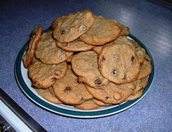 Amish Friendship Bread Chocolate Chip Cookies by Becky Lewis ♥ http://www.friendshipbreadkitchen.com