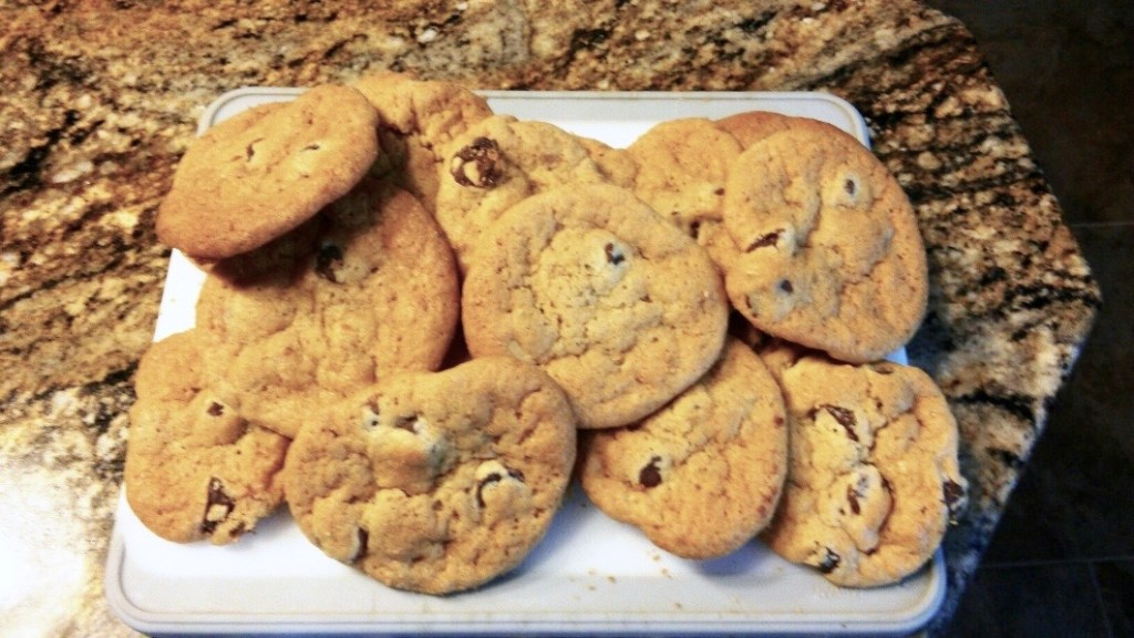 Amish Friendship Bread Chocolate Chip Cookies Christine Shipley ♥ friendshipbreadkitchen.com
