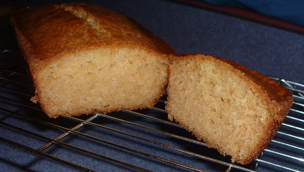 Lemon Amish Friendship Bread by Becky Lewis | friendshipbreadkitchen.com