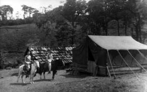 For some time many of the group who moved to Costa Rica lived in tents.