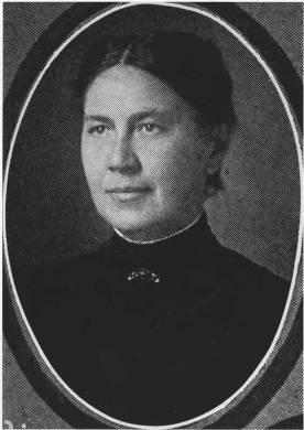 Julia White, Guilford College librarian from 1901 to 1922. (Friends Historical Collection, Guilford College, Greensboro, N.C.)